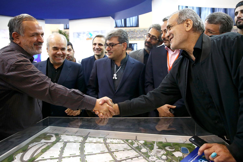 حضور مسعود پزشکیان در چهارمین نمایشگاه بین المللی ایران فارما